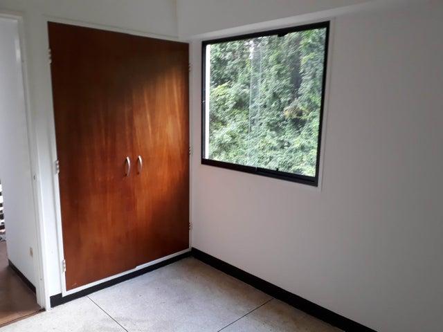 Apartamento Distrito Metropolitano>Caracas>Colinas de Bello Monte - Venta:45.000 Precio Referencial - codigo: 19-1067