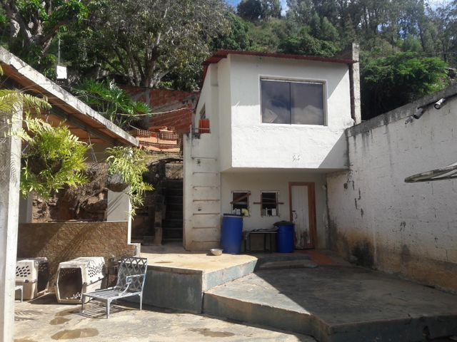 Casa Miranda>Municipio Los Salias>El Cují - Venta:65.000 Precio Referencial - codigo: 19-1088