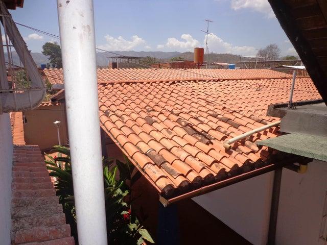 Casa Aragua>La Victoria>La Mora II - Venta:38.000 Precio Referencial - codigo: 19-1154