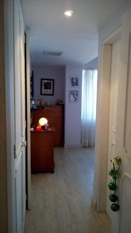 Apartamento Vargas>Parroquia Caraballeda>La Llanada - Venta:75.000 Precio Referencial - codigo: 19-2641
