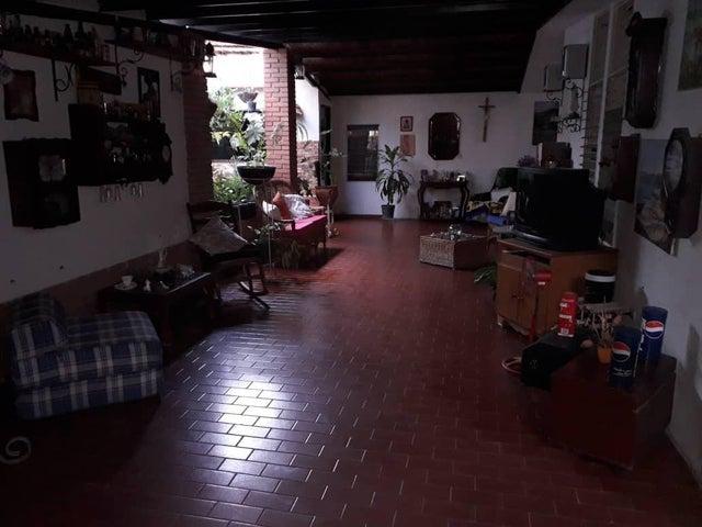 Casa Lara>Cabudare>Chucho Briceno - Venta:25.000 Precio Referencial - codigo: 19-1206