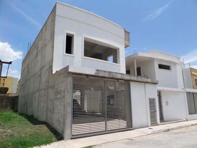 Casa Aragua>Maracay>Villas Ingenio I - Venta:55.000 Precio Referencial - codigo: 19-1227