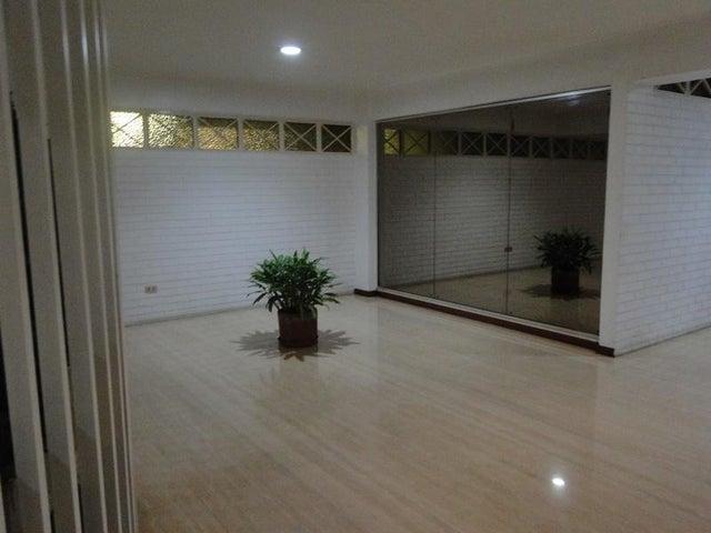 Apartamento Distrito Metropolitano>Caracas>Cumbres de Curumo - Venta:170.000 Precio Referencial - codigo: 19-1205