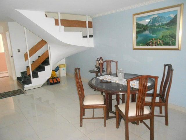 Apartamento Vargas>Catia La Mar>Playa Grande - Venta:170.000 Precio Referencial - codigo: 19-1217