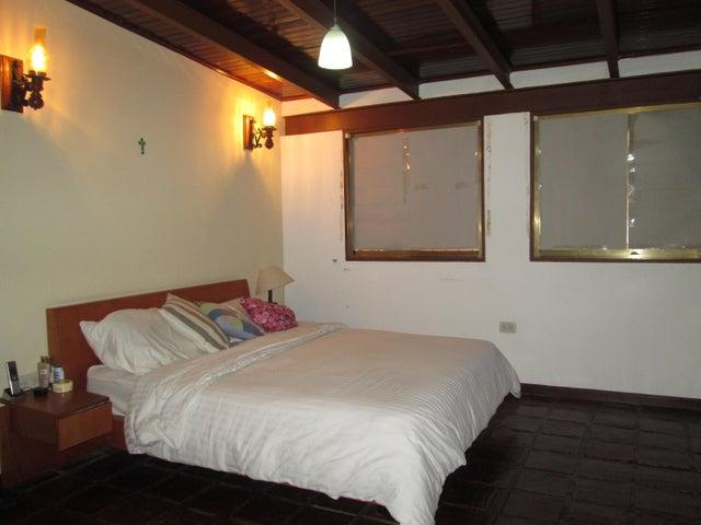 Casa Distrito Metropolitano>Caracas>Oripoto - Venta:280.000 Precio Referencial - codigo: 19-1235