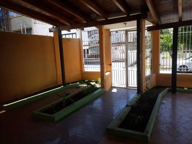 Local Comercial Zulia>Ciudad Ojeda>Intercomunal - Alquiler:100 Precio Referencial - codigo: 19-1334