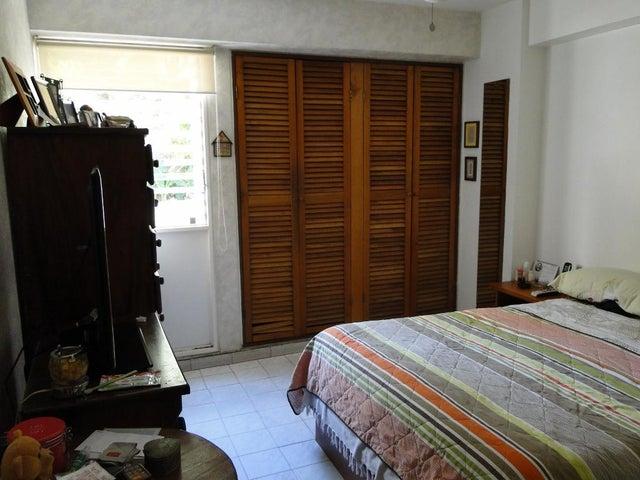 Apartamento Distrito Metropolitano>Caracas>El Cafetal - Venta:130.000 Precio Referencial - codigo: 19-1357