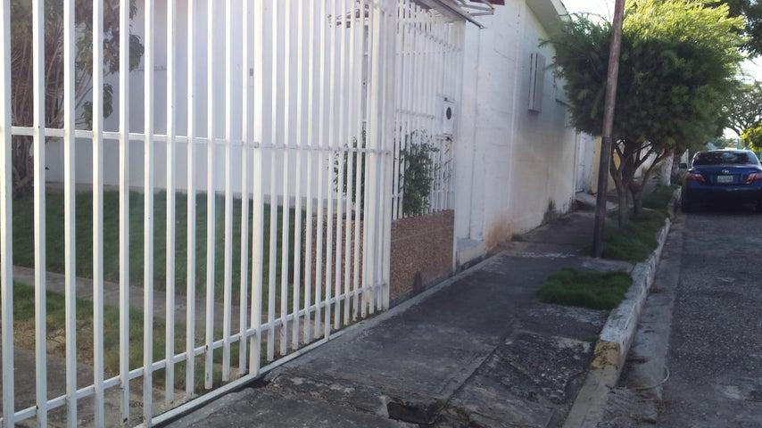 Casa Lara>Cabudare>Chucho Briceno - Venta:23.500 Precio Referencial - codigo: 19-871