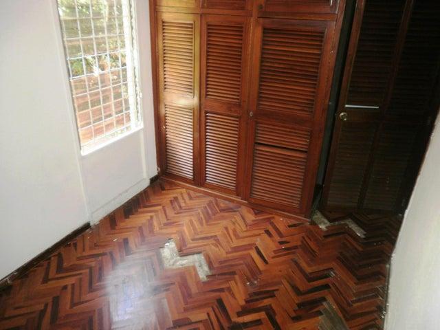 Apartamento Distrito Metropolitano>Caracas>Caurimare - Venta:63.000 Precio Referencial - codigo: 19-1484