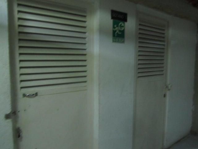 Apartamento Distrito Metropolitano>Caracas>La Campiña - Venta:220.000 Precio Referencial - codigo: 19-1487