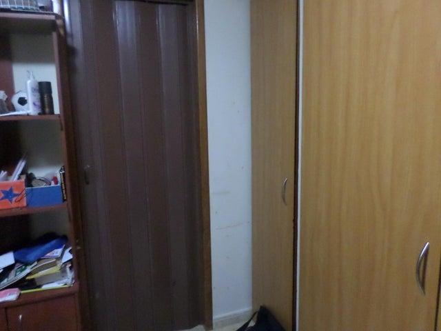 Apartamento Vargas>La Guaira>Macuto - Venta:44.000 Precio Referencial - codigo: 19-1514