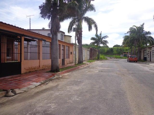 Casa Aragua>La Victoria>El Recreo - Venta:40.000 Precio Referencial - codigo: 19-1587