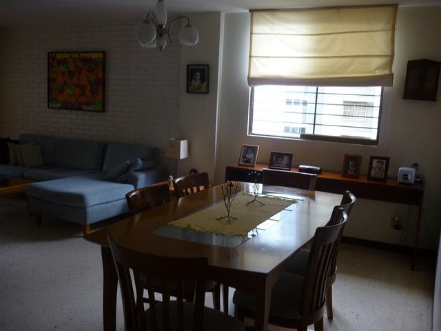 Apartamento Distrito Metropolitano>Caracas>Los Palos Grandes - Venta:90.000 Precio Referencial - codigo: 19-1605