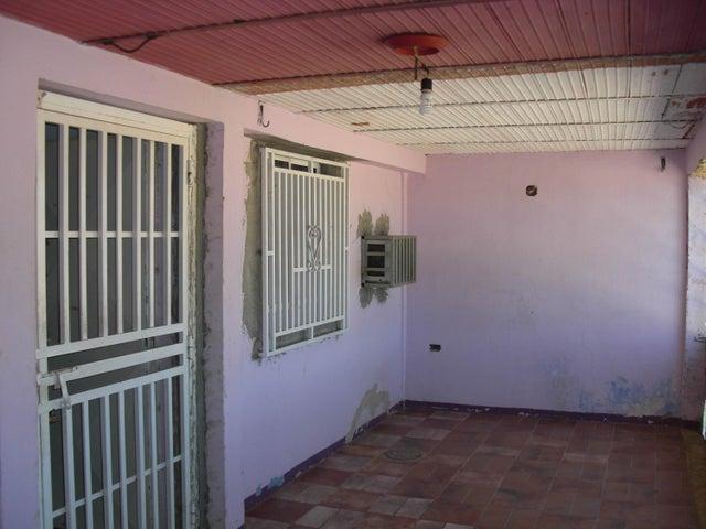 Casa Falcon>Coro>La Velita - Venta:5.400 Precio Referencial - codigo: 19-1669