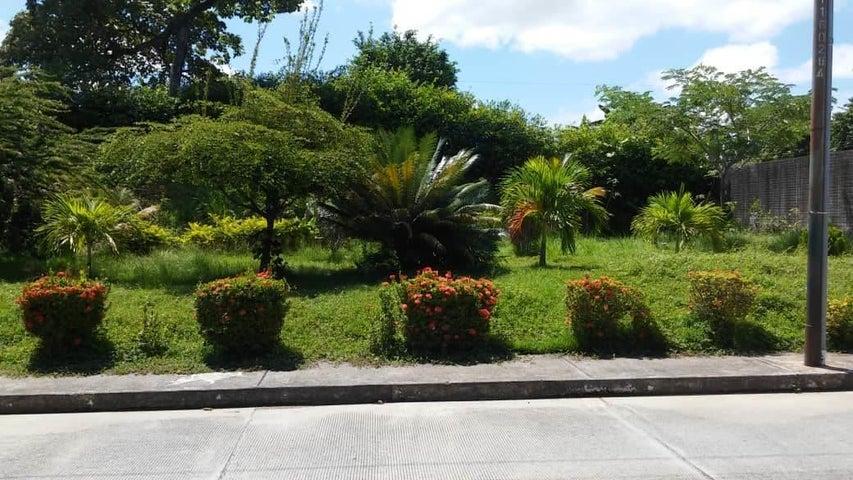 Casa Portuguesa>Acarigua>Bosques de Camorucos - Venta:22.000 Precio Referencial - codigo: 19-1703