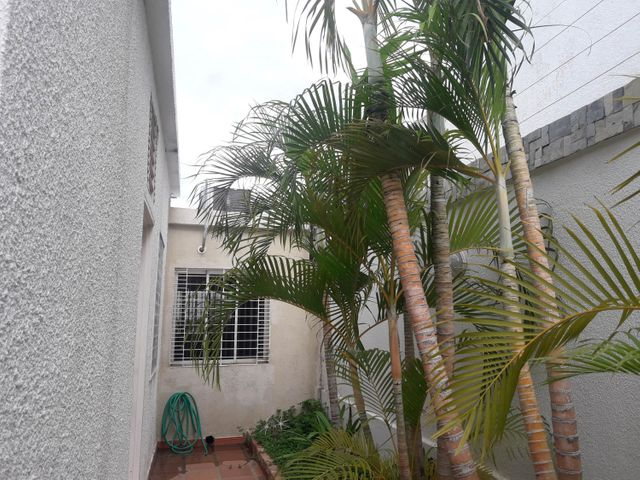 Casa Zulia>Maracaibo>Fuerzas Armadas - Venta:160.000 Precio Referencial - codigo: 19-1748