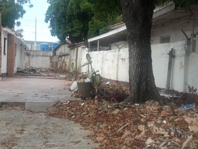 Terreno Zulia>Maracaibo>Las Delicias - Venta:13.000 Precio Referencial - codigo: 19-1751