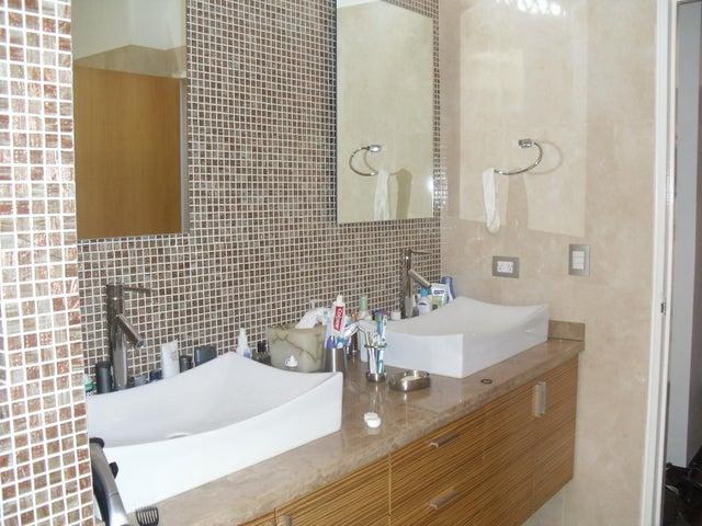 Apartamento Distrito Metropolitano>Caracas>Los Chorros - Venta:550.000 Precio Referencial - codigo: 19-1814