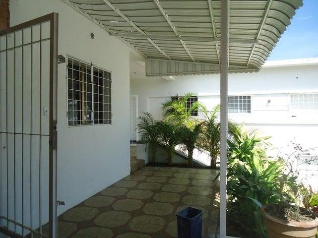 Casa Vargas>Parroquia Caraballeda>Caribe - Venta:150.000 Precio Referencial - codigo: 19-1848