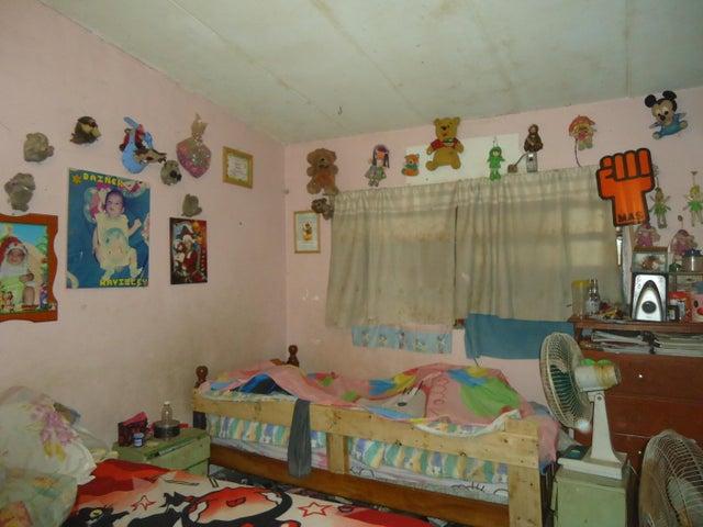 Casa Vargas>Catia La Mar>Ezequiel Zamora - Venta:40.000 Precio Referencial - codigo: 19-1863