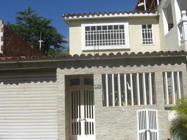 Casa Miranda>Guatire>Country Club Buena Ventura - Alquiler:350 US Dollar - codigo: 19-1886