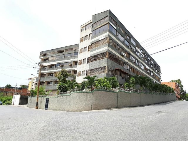 Apartamento Miranda>Higuerote>Carenero - Venta:27.000 Precio Referencial - codigo: 19-1890