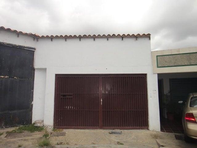 Casa Distrito Metropolitano>Caracas>Colinas de Santa Monica - Venta:200.000 Precio Referencial - codigo: 19-1947