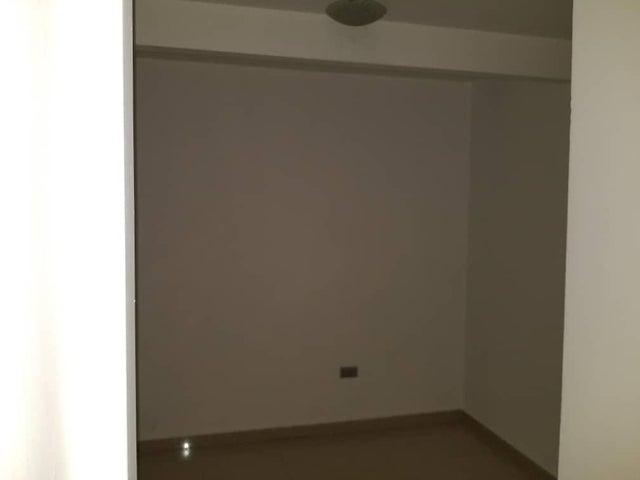 Apartamento Anzoategui>El Tigre>Sector Avenida Intercomunal - Venta:15.000 Precio Referencial - codigo: 19-1959