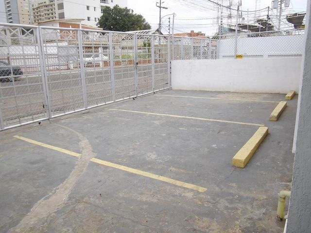 Local Comercial Zulia>Maracaibo>5 de Julio - Alquiler:775.000 Precio Referencial - codigo: 19-2078