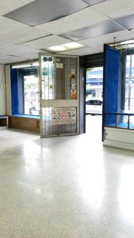 Local Comercial Distrito Metropolitano>Caracas>Chacao - Venta:170.000 Precio Referencial - codigo: 19-1994