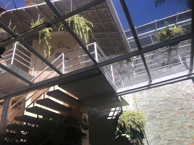 Casa Miranda>Carrizal>Colinas de Carrizal - Venta:500.000 Precio Referencial - codigo: 19-2053