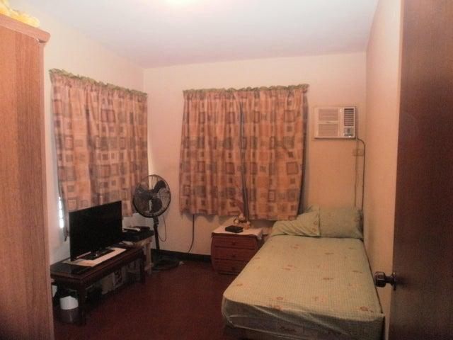 Casa Zulia>Maracaibo>La Limpia - Venta:18.000 Precio Referencial - codigo: 19-2059