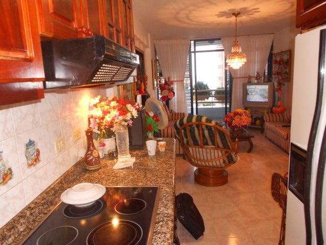 Apartamento Vargas>Catia La Mar>Playa Grande - Venta:119.031.000 Precio Referencial - codigo: 19-2068