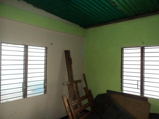 Local Comercial Lara>Barquisimeto>Parroquia Concepcion - Venta:25.000 Precio Referencial - codigo: 19-2072