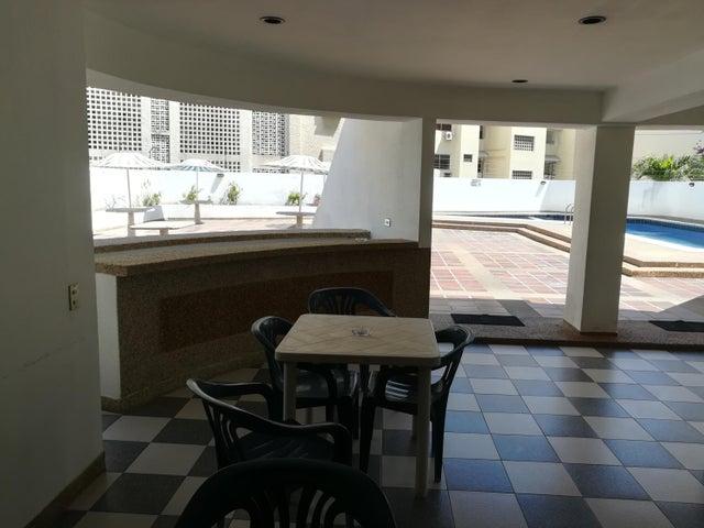 Apartamento Vargas>Parroquia Caraballeda>Caribe - Venta:28.000 US Dollar - codigo: 19-2094