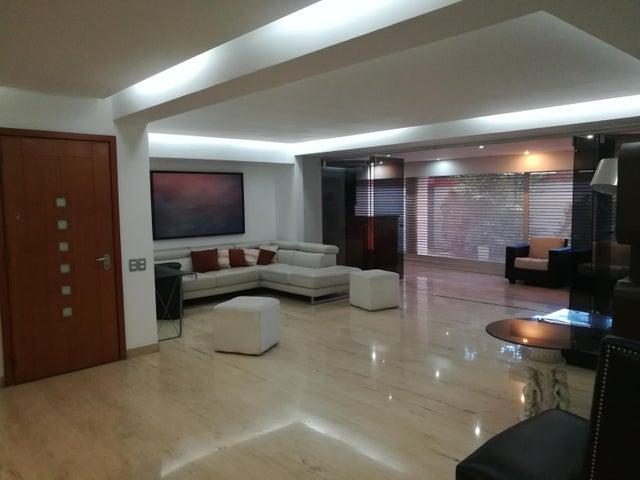 Apartamento Distrito Metropolitano>Caracas>Campo Alegre - Alquiler:2.700 Precio Referencial - codigo: 19-2095