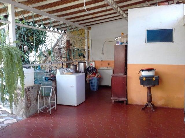 Casa Lara>Barquisimeto>Patarata - Venta:25.000 US Dollar - codigo: 19-2101