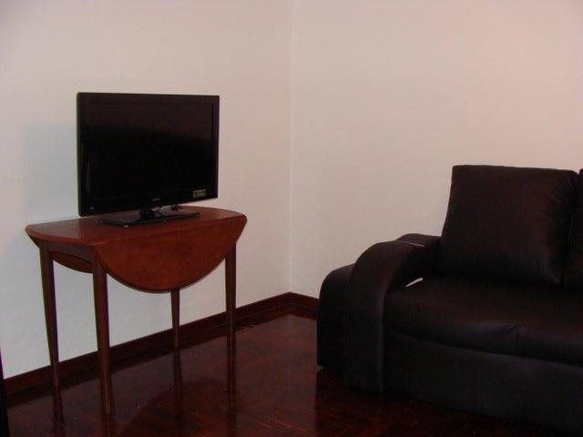 Apartamento Distrito Metropolitano>Caracas>La Alameda - Alquiler:1.550.000 Precio Referencial - codigo: 19-2108