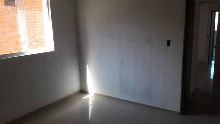 Apartamento Distrito Metropolitano>Caracas>Colinas de La Tahona - Venta:139.508.000 Precio Referencial - codigo: 19-2132
