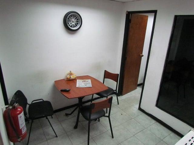 Galpon - Deposito Distrito Metropolitano>Caracas>Antimano - Venta:1.000.000 Precio Referencial - codigo: 19-2116