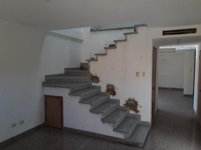 Townhouse Zulia>Maracaibo>Los Olivos - Venta:50.000 Precio Referencial - codigo: 19-2577