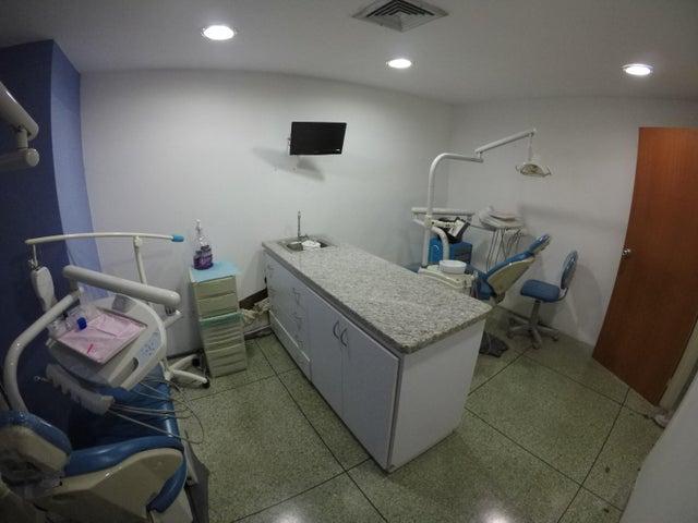 Local Comercial Distrito Metropolitano>Caracas>Los Ruices - Venta:90.000 Precio Referencial - codigo: 19-2279