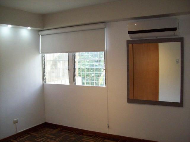 Apartamento Distrito Metropolitano>Caracas>El Marques - Venta:37.000 Precio Referencial - codigo: 19-2280