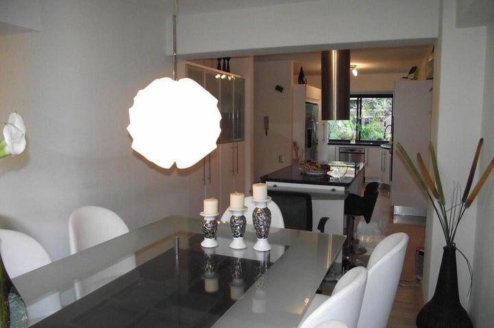 Apartamento Distrito Metropolitano>Caracas>Colinas de Valle Arriba - Venta:300.000 Precio Referencial - codigo: 19-2296
