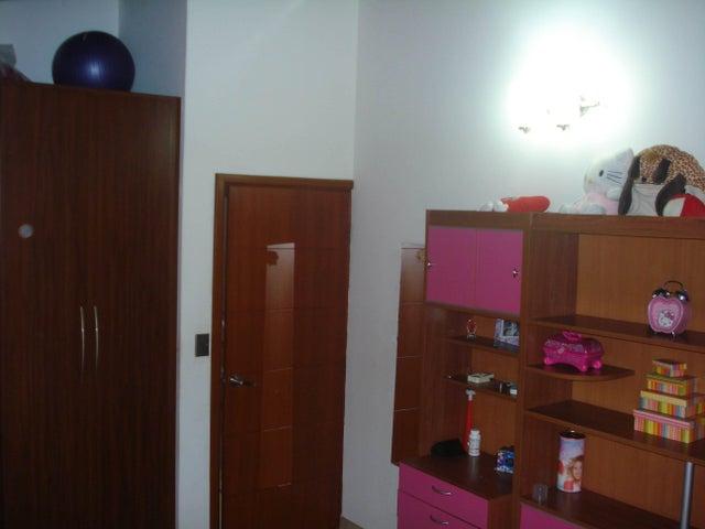 Townhouse Aragua>Maracay>El Limon - Venta:70.000 Precio Referencial - codigo: 19-2331