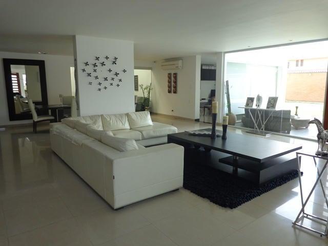 Casa Lara>Barquisimeto>Santa Elena - Venta:380.000 Precio Referencial - codigo: 19-2342