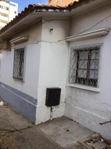 Local Comercial Distrito Metropolitano>Caracas>El Rosal - Venta:180.000 Precio Referencial - codigo: 19-2351