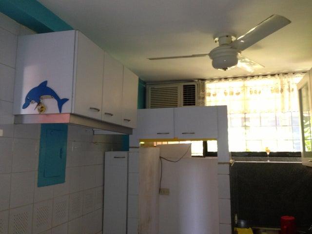 Apartamento Miranda>Higuerote>Agua Sal - Venta:25.000 Precio Referencial - codigo: 19-2376