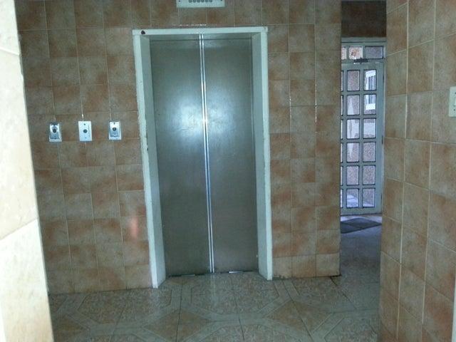 Apartamento Miranda>Cua>Centro - Venta:3.500 Precio Referencial - codigo: 19-2406