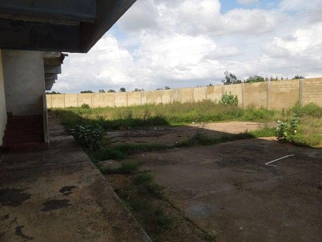 Edificio Anzoategui>El Tigre>Sector Avenida Intercomunal - Venta:350.000 Precio Referencial - codigo: 19-2475